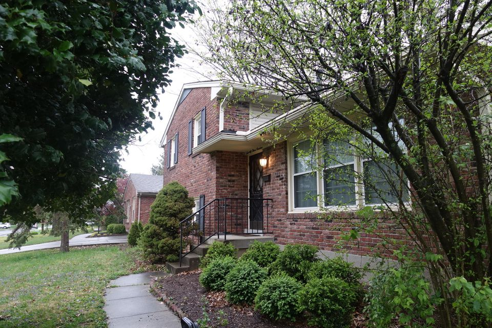 Single Family Home for Rent at 7319 Keisler Way Louisville, Kentucky 40222 United States