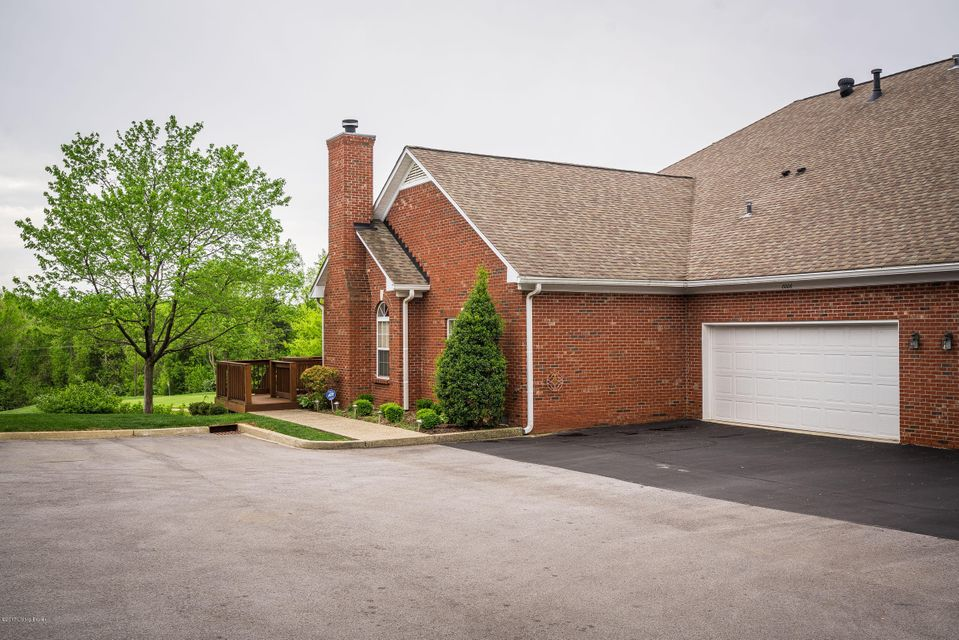 Additional photo for property listing at 8006 Saint Andrews Village Drive  Louisville, Kentucky 40241 United States