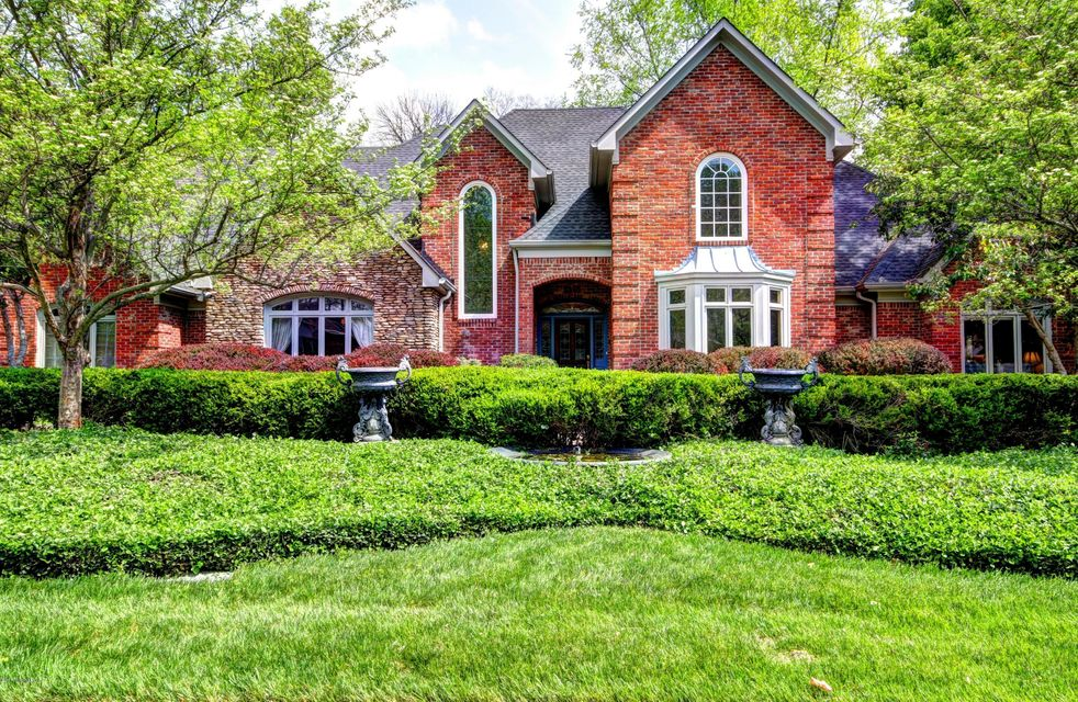 Single Family Home for Sale at 8513 Cheffield Drive Louisville, Kentucky 40222 United States