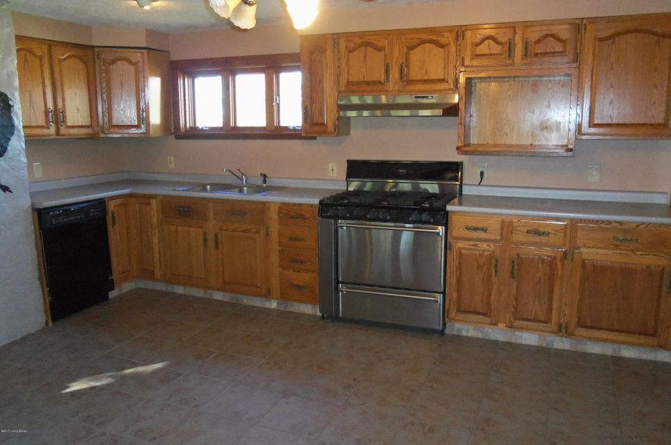 Additional photo for property listing at 807 S Spillman Lane  Milton, Kentucky 40045 United States