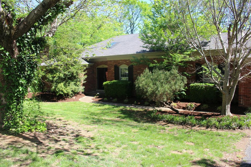 Additional photo for property listing at 2401 Tuckaho Road  Louisville, Kentucky 40207 United States