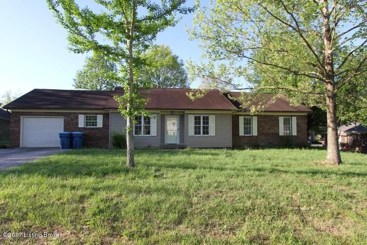 Single Family Home for Sale at 1009 Woodlawn Drive 1009 Woodlawn Drive Lawrenceburg, Kentucky 40342 United States