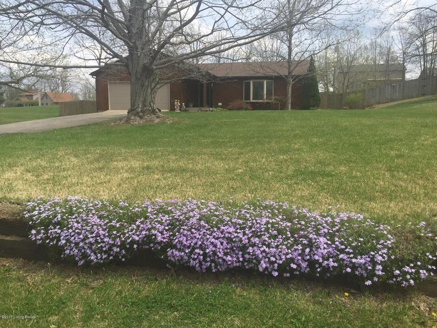 Single Family Home for Sale at 1130 Wood Cliff Road Frankfort, Kentucky 40601 United States