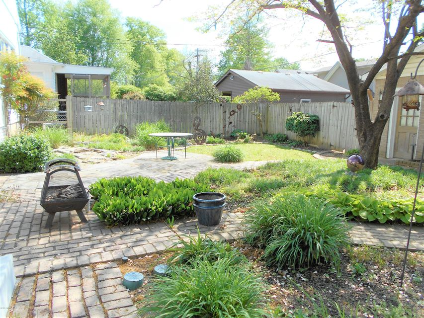 Additional photo for property listing at 2426 TYLER Lane  Louisville, Kentucky 40205 United States