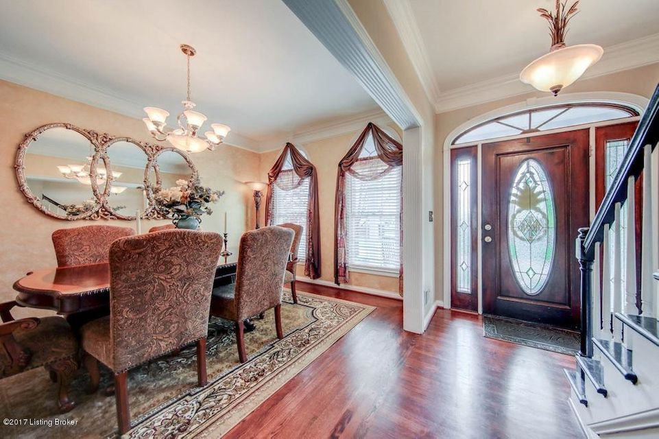 Additional photo for property listing at 7 Oak Tree Lane  Louisville, Kentucky 40245 United States
