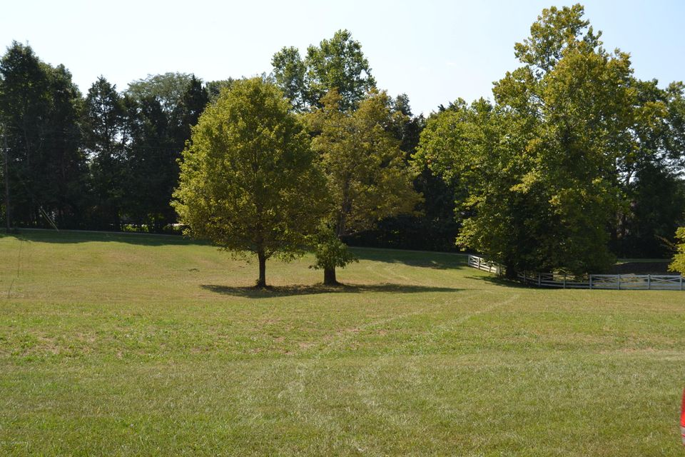 Additional photo for property listing at 1700 N Beckley Station Road  Louisville, Kentucky 40245 United States