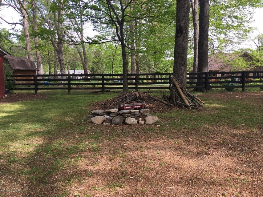 Additional photo for property listing at 1060 Alton Station Road  Lawrenceburg, Kentucky 40342 United States