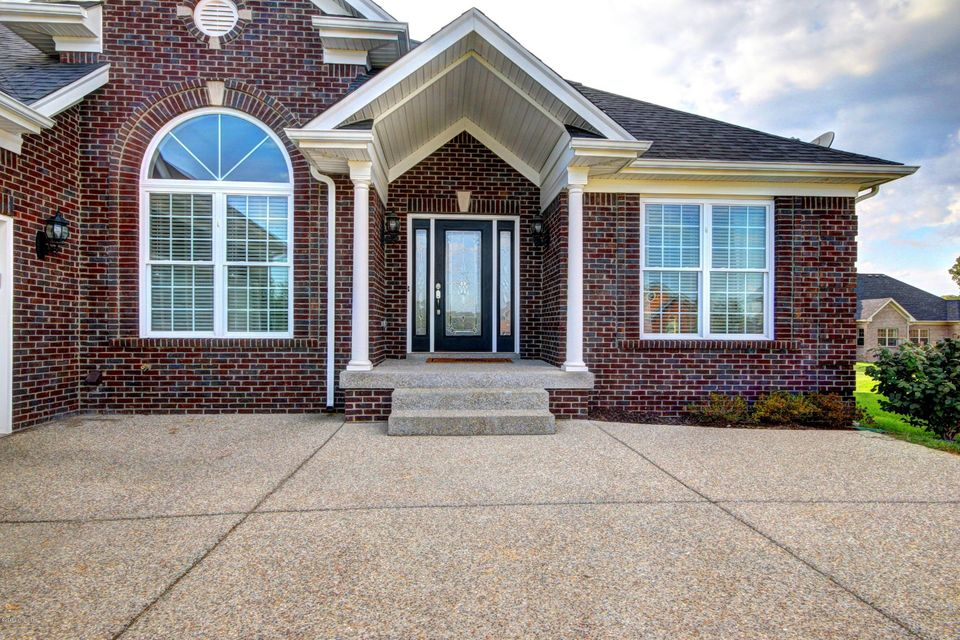 Additional photo for property listing at 13511 Pointview Court  Louisville, Kentucky 40299 United States