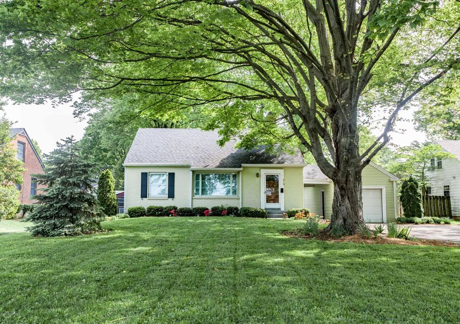 Single Family Home for Sale at 315 S Hubbards Lane Louisville, Kentucky 40207 United States