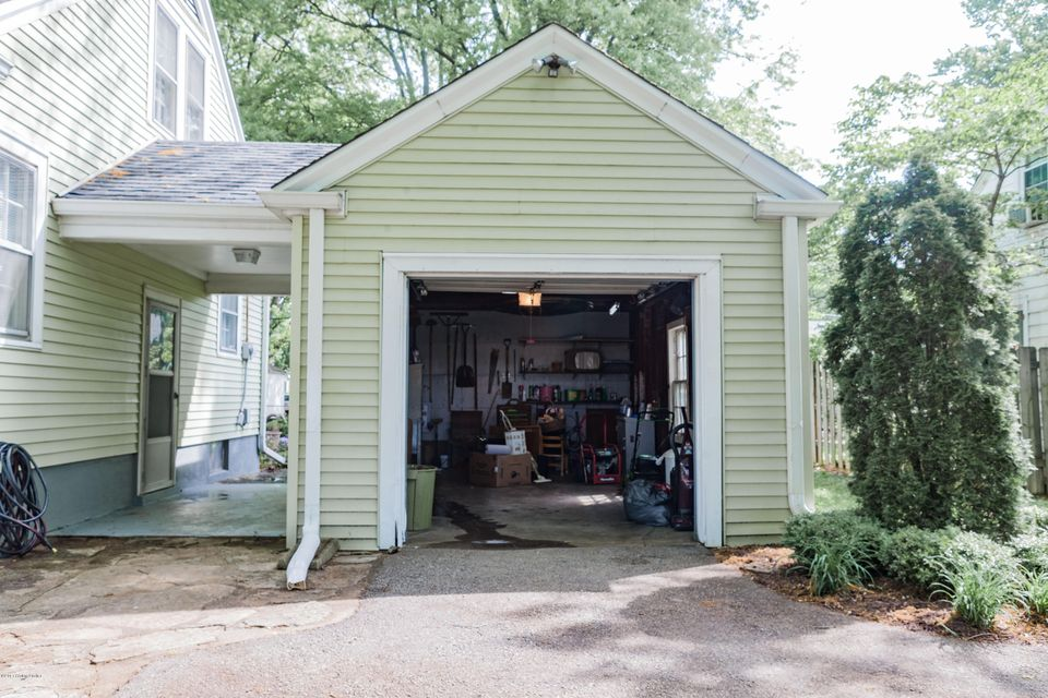 Additional photo for property listing at 315 S Hubbards Lane  Louisville, Kentucky 40207 United States