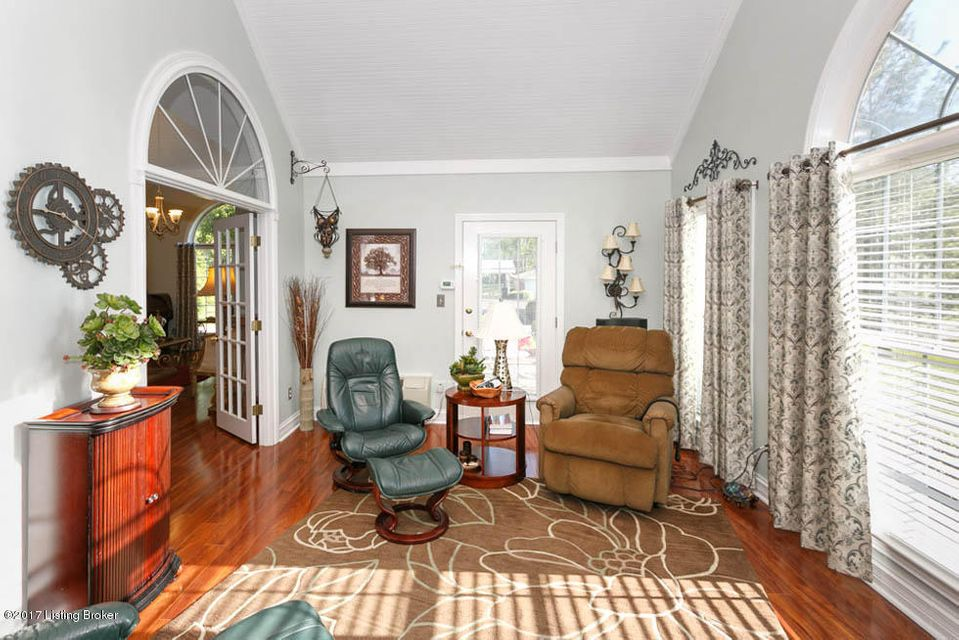 Additional photo for property listing at 10440 Monticello Forest Circle  Louisville, Kentucky 40299 United States