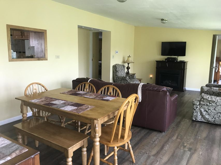 Additional photo for property listing at 642 Lakeshore Drive 642 Lakeshore Drive Mammoth Cave, Kentucky 42259 United States
