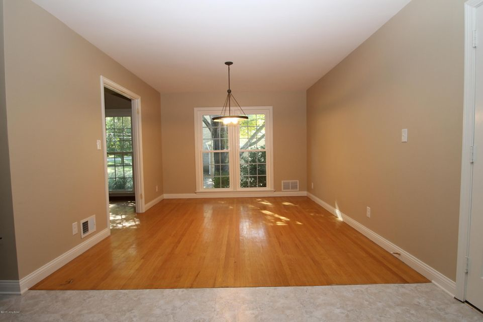 Additional photo for property listing at 210 Wood Road  Louisville, Kentucky 40222 United States