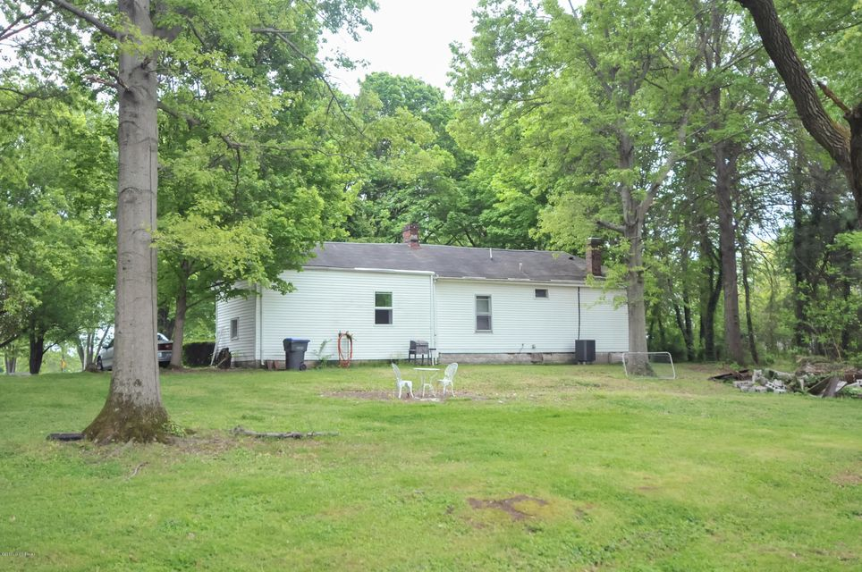 Additional photo for property listing at 11800 Lower River Road  Louisville, Kentucky 40272 United States