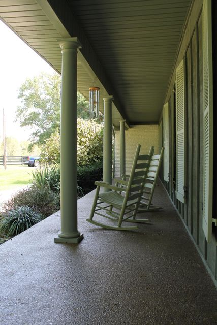 Additional photo for property listing at 2075 Belmont Road  Lebanon Junction, Kentucky 40150 United States