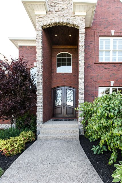 Additional photo for property listing at 18704 Brookshade Lane  Louisville, Kentucky 40245 United States
