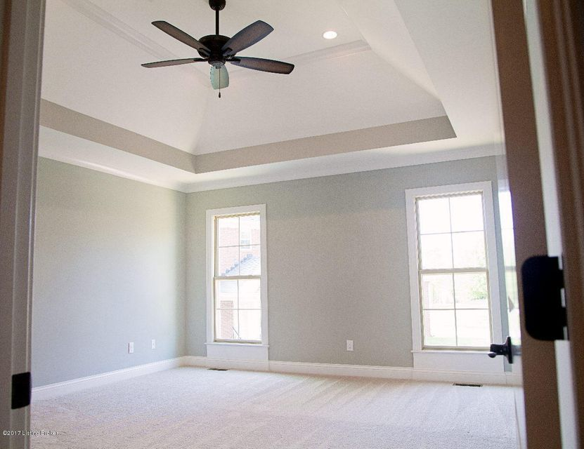 Additional photo for property listing at 12704 Glengate Place  Louisville, Kentucky 40299 United States