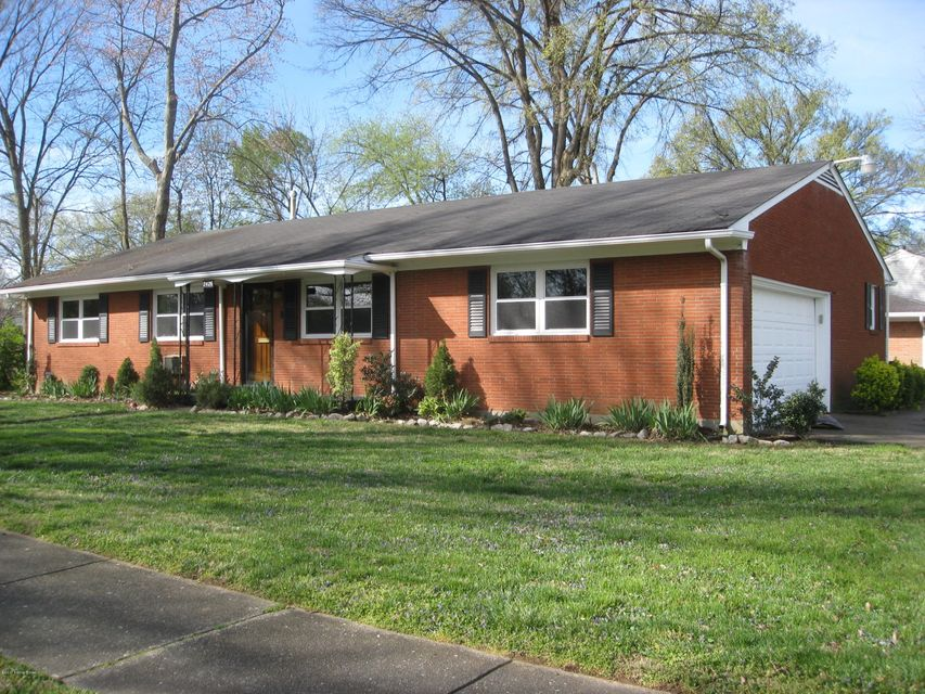 Single Family Home for Rent at 2426 WOODMONT Drive Louisville, Kentucky 40220 United States