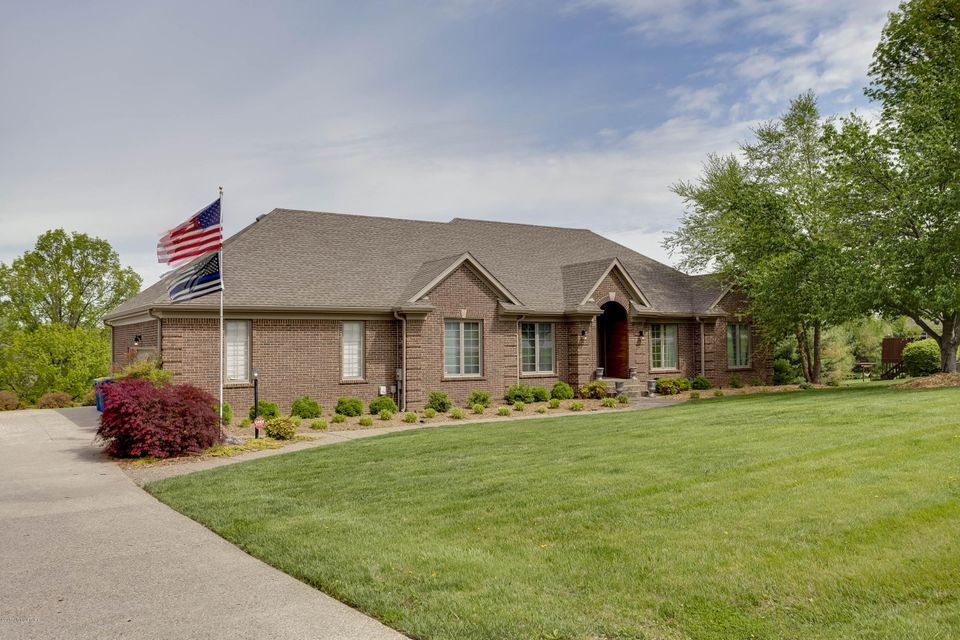 Single Family Home for Sale at 7205 Spring HIll Trace Crestwood, Kentucky 40014 United States