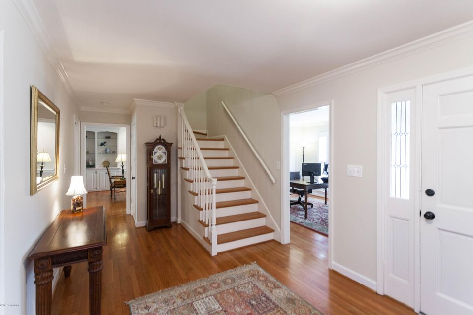 Additional photo for property listing at 413 Lake Forest Pkwy  Louisville, Kentucky 40245 United States