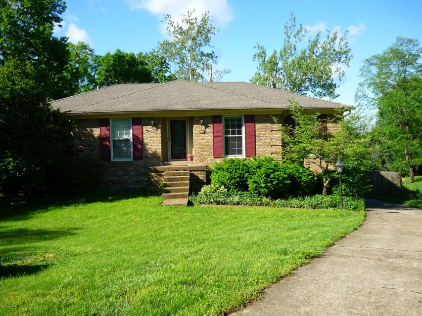 Single Family Home for Sale at 5108 Jonar Court Louisville, Kentucky 40291 United States