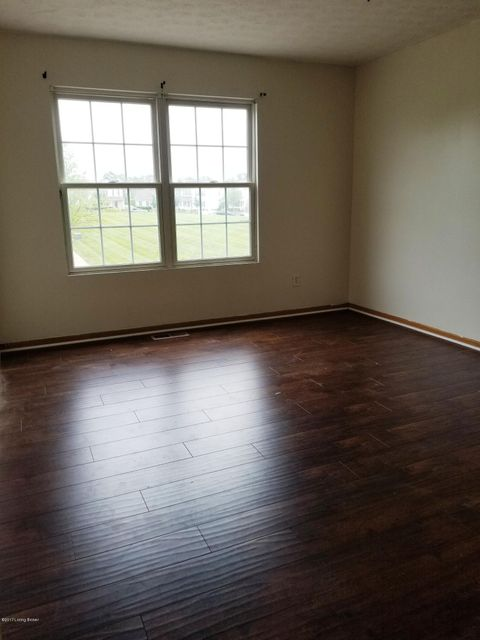Additional photo for property listing at 5715 Bay Harbor Drive  Louisville, Kentucky 40228 United States