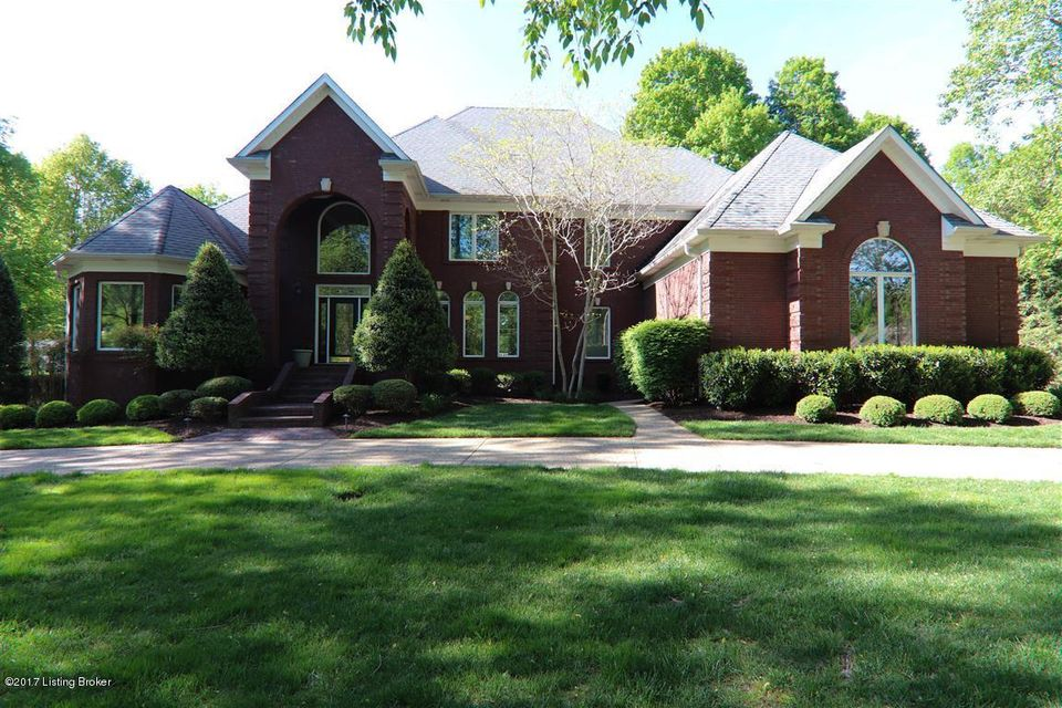 Single Family Home for Sale at 106 Sunnyside Court Pewee Valley, Kentucky 40056 United States