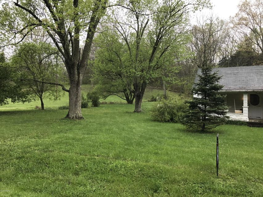 Additional photo for property listing at 92 Dutchmans Creek Road 92 Dutchmans Creek Road Taylorsville, Kentucky 40071 United States