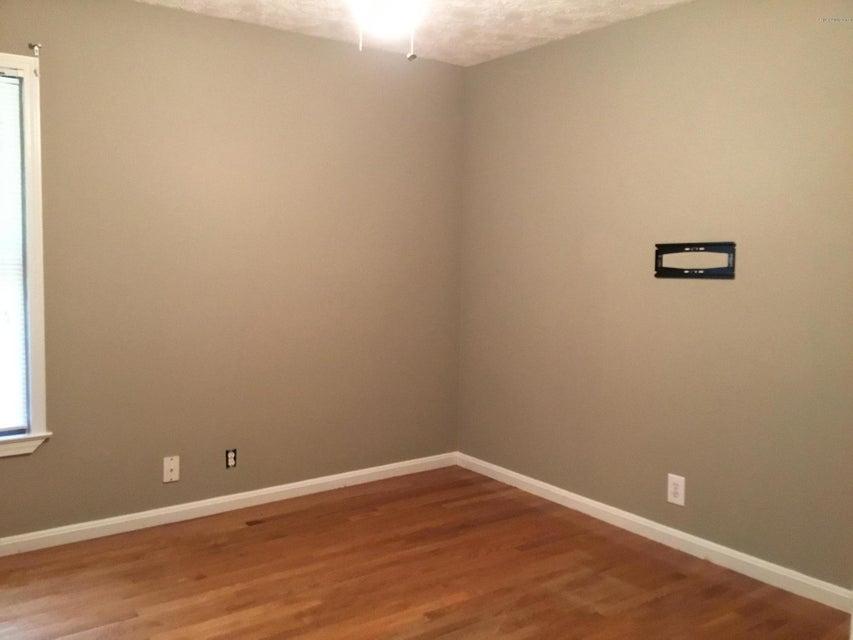 Additional photo for property listing at 280 Amanda Court  Shepherdsville, Kentucky 40165 United States
