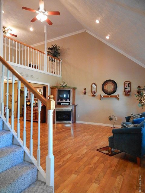 Additional photo for property listing at 102 Maple Leaf Lane  Leitchfield, Kentucky 42754 United States