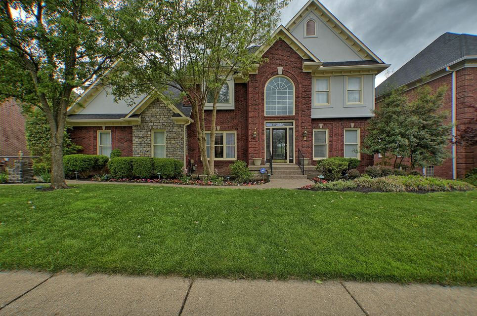 Single Family Home for Sale at 14800 Forest Oaks Drive Louisville, Kentucky 40245 United States
