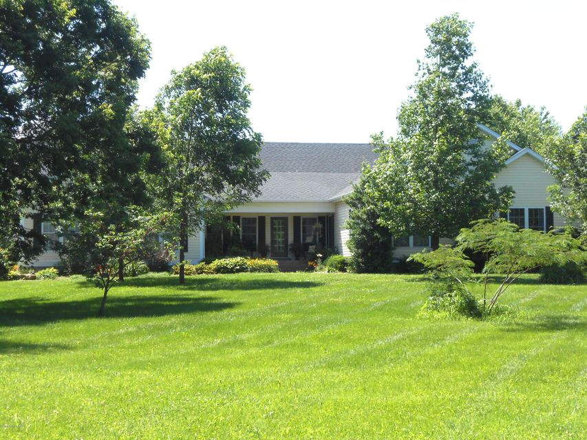 Single Family Home for Sale at 2570 Todds Point Road Simpsonville, Kentucky 40067 United States