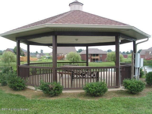 Additional photo for property listing at 1004 Harbour  Lawrenceburg, Kentucky 40342 United States