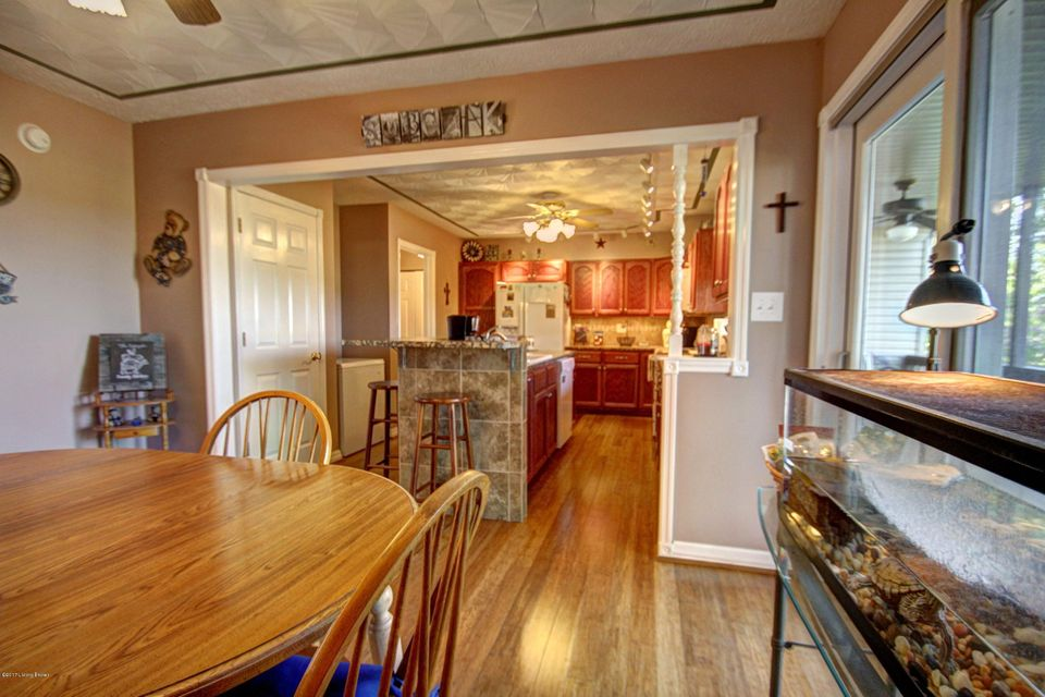 Additional photo for property listing at 1647 Louisville Road  Coxs Creek, Kentucky 40013 United States