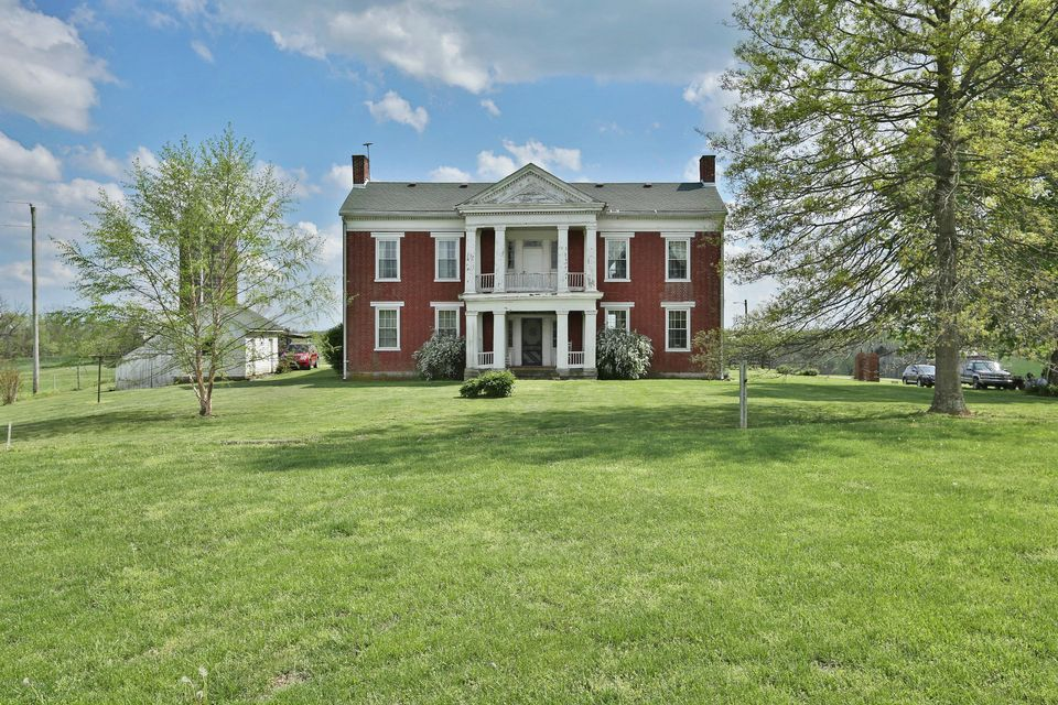 Additional photo for property listing at 1298 Bardstown 1298 Bardstown Waddy, Kentucky 40076 United States