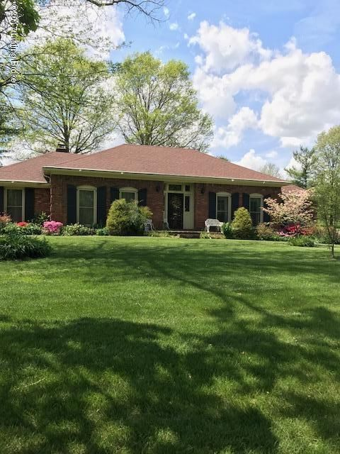 Single Family Home for Sale at 32 Smithfield Road Shelbyville, Kentucky 40065 United States