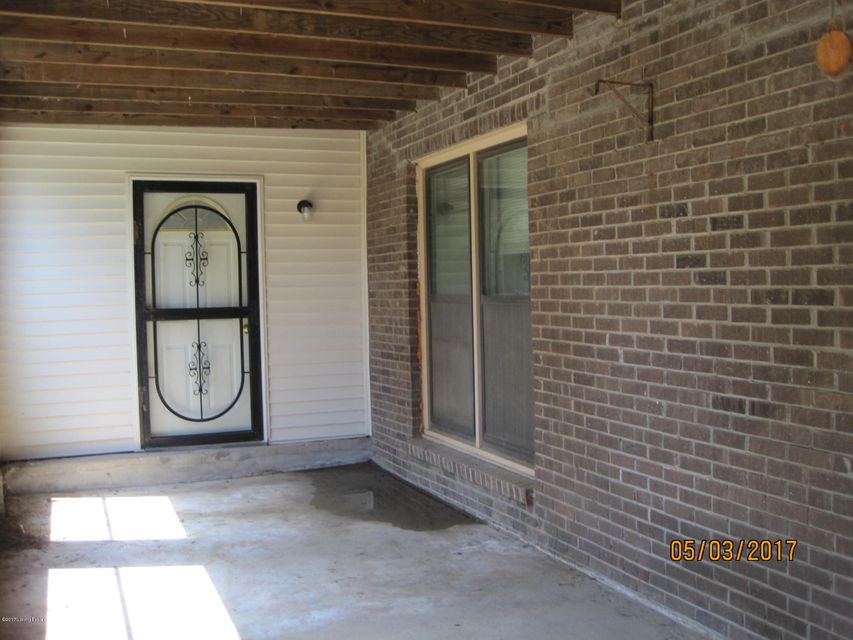 Additional photo for property listing at 2490 N Hwy 393  La Grange, Kentucky 40031 United States