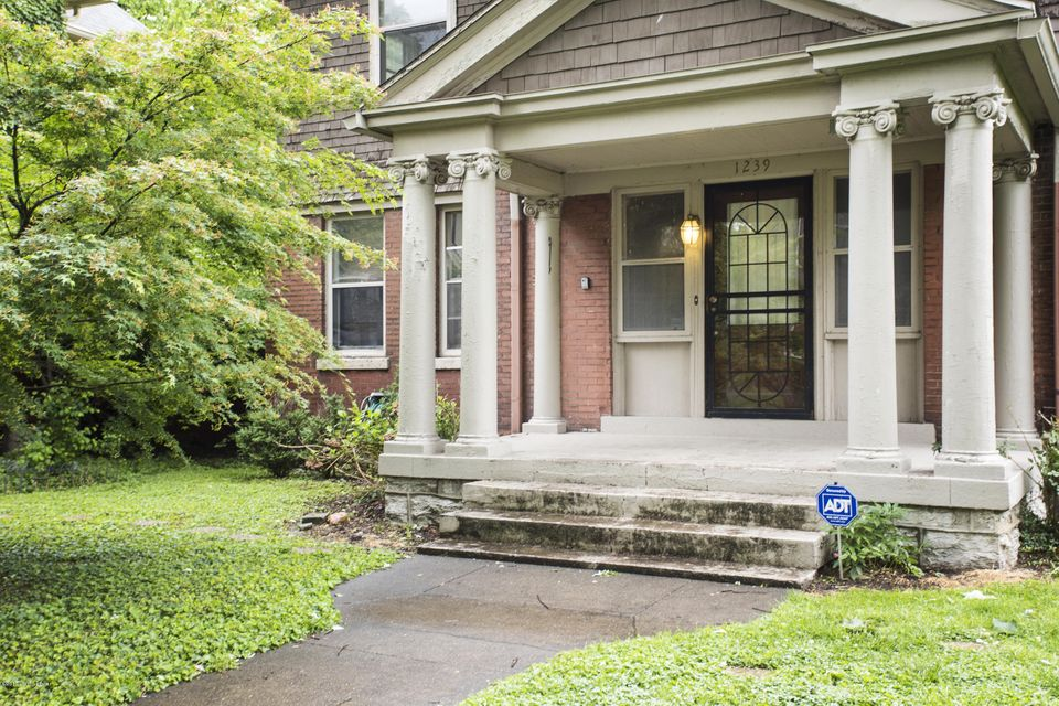 Additional photo for property listing at 1239 Ormsby Court  Louisville, Kentucky 40203 United States