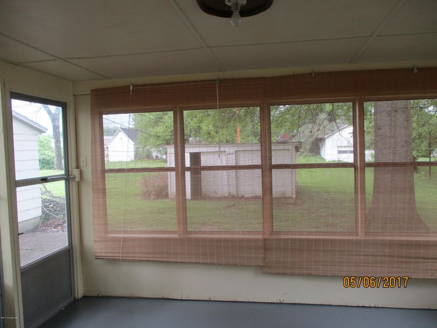 Additional photo for property listing at 514 5th Street  Carrollton, Kentucky 41008 United States