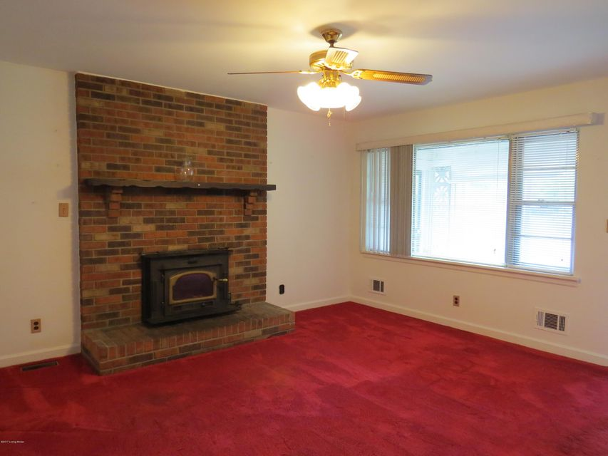 Additional photo for property listing at 9617 Caven Avenue  Louisville, Kentucky 40229 United States