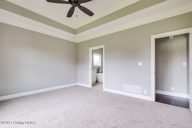 Additional photo for property listing at 5305 Rock Ridge Drive 5305 Rock Ridge Drive Louisville, Kentucky 40241 United States