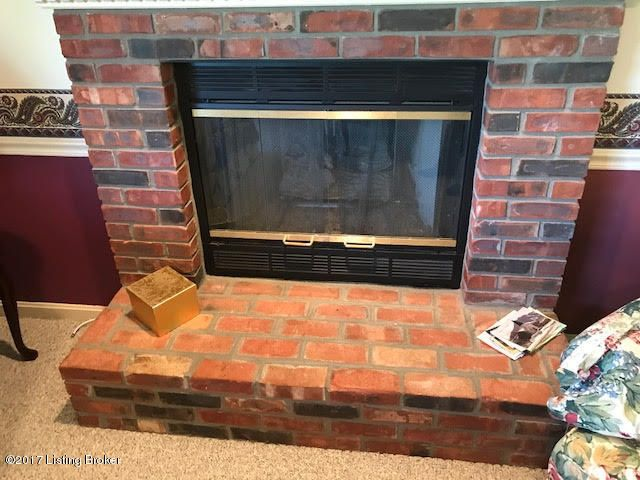 Additional photo for property listing at 5322 Cross Creek Drive  Crestwood, Kentucky 40014 United States