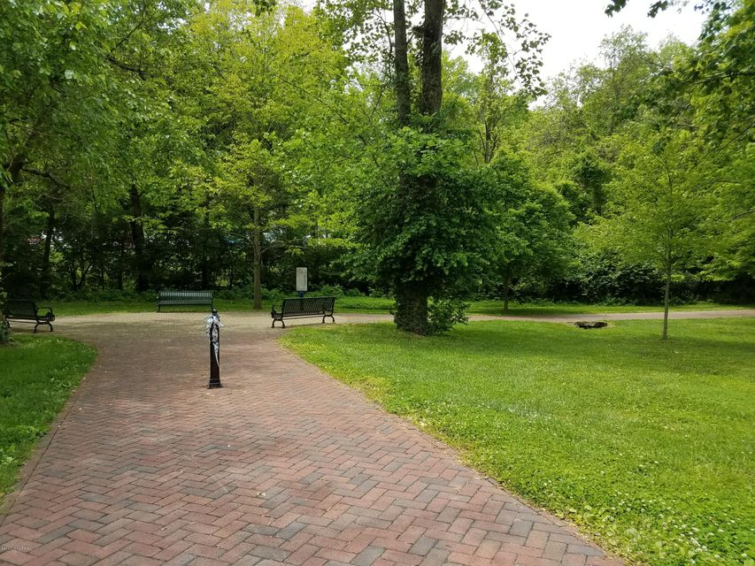 Additional photo for property listing at 11608 Hazelwood  Louisville, Kentucky 40223 United States