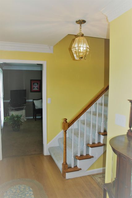 Additional photo for property listing at 410 Olde Glouchester Cove  Louisville, Kentucky 40214 United States