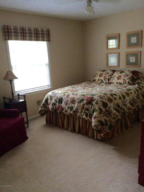 Additional photo for property listing at 6410 Regal Road  Louisville, Kentucky 40222 United States