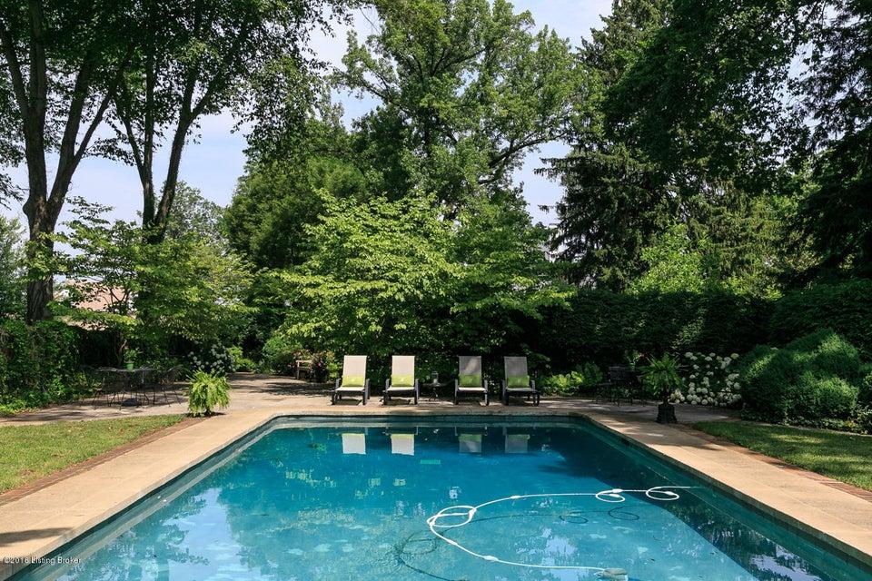 Additional photo for property listing at 25 Stonebridge Road 25 Stonebridge Road Louisville, Kentucky 40207 United States