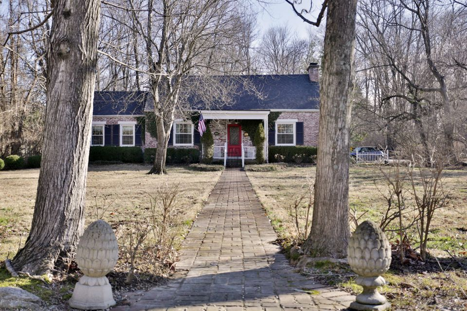 Single Family Home for Sale at 905 Glenbrook Road Anchorage, Kentucky 40223 United States