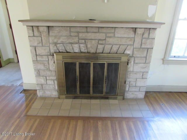 Additional photo for property listing at 4803 New Cut Road  Louisville, Kentucky 40214 United States