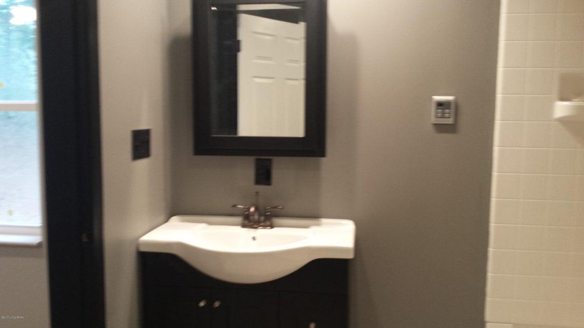 Additional photo for property listing at 129 Strawberry Circle 129 Strawberry Circle Brandenburg, Kentucky 40108 United States