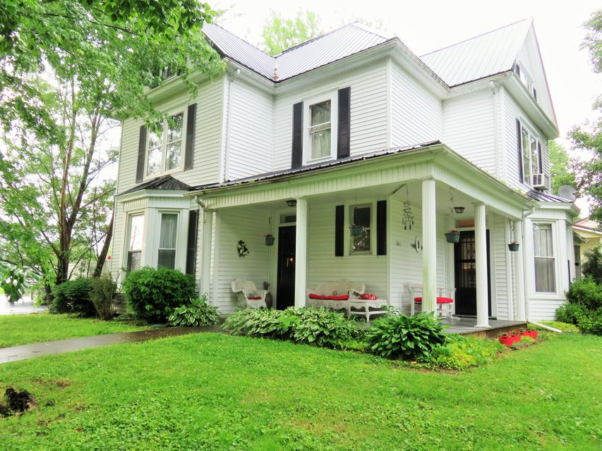 Single Family Home for Sale at 301 E Main Street 301 E Main Street Bradfordsville, Kentucky 40009 United States